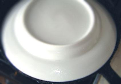 тарелка на сковороде